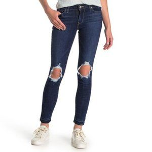Levi's 711 Distressed Skinny Stretchy Jeans